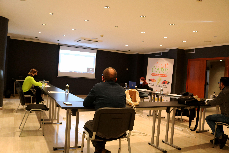 ZERYA comparte con sus productores de fruta de hueso los avances del FruitCare
